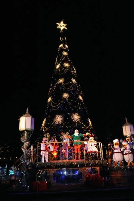Tree Lighting Ceremony 2