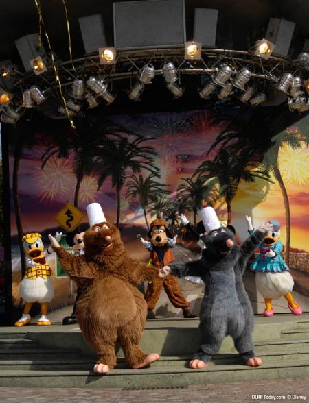 Ratatouille in het show gedeelte van Disney's Stars 'n' Cars