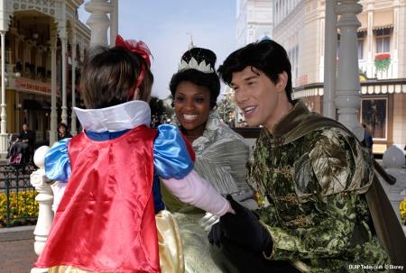 Tiana en Naveen op Town Square