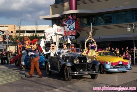 Stars 'n' Cars floats rechts van het podium