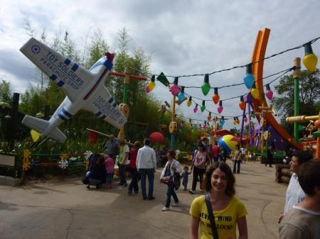 Ingang Toy Solders Parachute Drop
