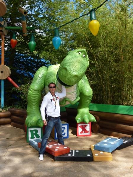 Fotolocatie bij Slinky Dog ZigZag Spin met Rex